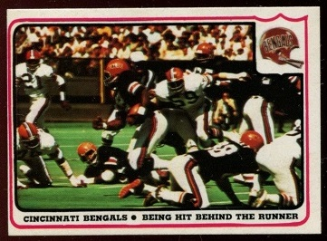 1976 Fleer Team Action #5 - Cincinnati Bengals - Being Hit Behind the Runner - ex